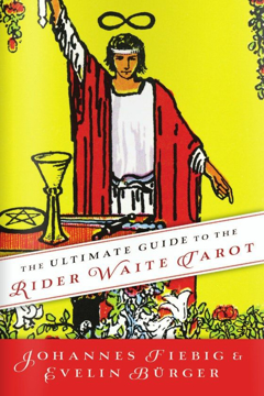 Bild på The Ultimate Guide to the Rider Waite Tarot